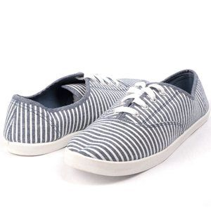 Striped Canvas Style Sneakers Blue White 9 NEW